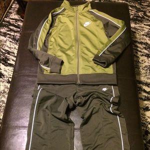 Nike boys basketball set jacket pants EUC
